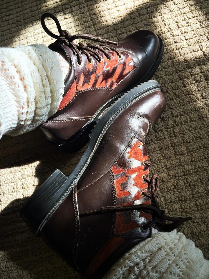 Suede-Look Houndstooth boots | DIY