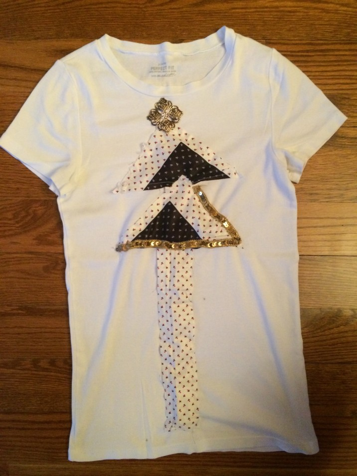 Here is the finished Christmas Tee, (hahaha get it..)