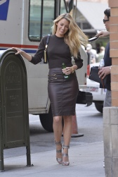blake-lively-street-style