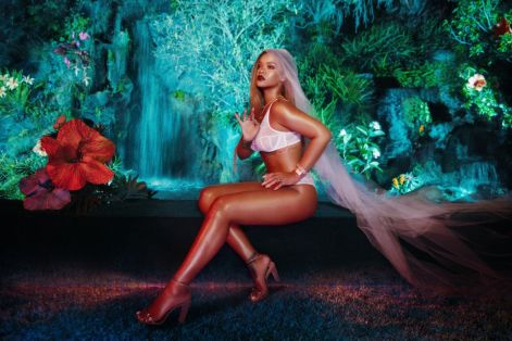 rihanna-savage-x-fenty-by-rihana-photoshoot-4